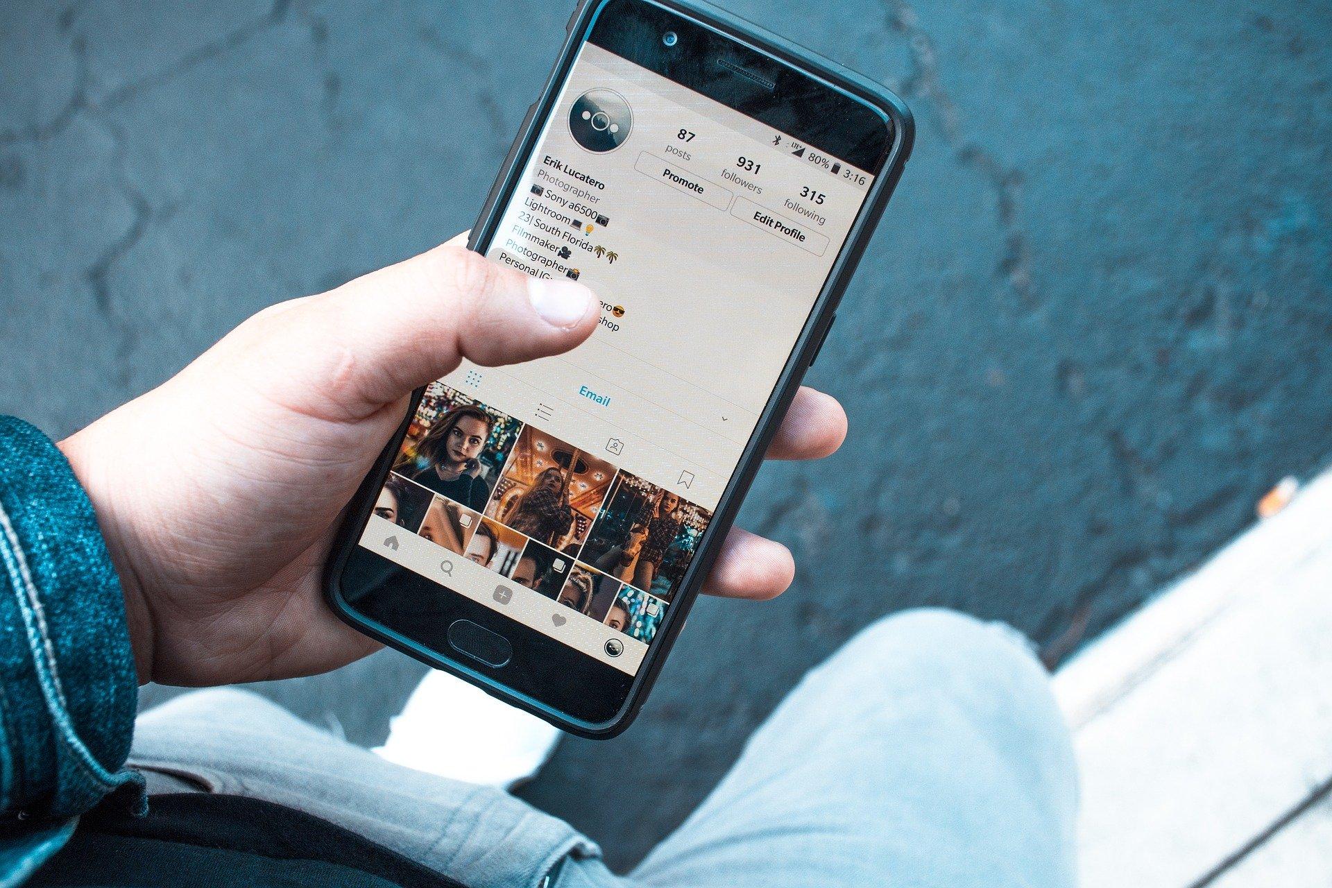 social media, texting